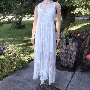 NWT A&F MAXI SLIP DRESS with LACE OVERLAY